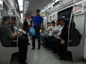 verkoop van luchtbellenpistool op de metro