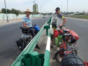 ontmoeting met Fransman enkele kms voor Dushanbe